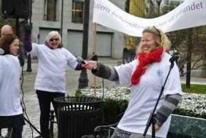 Demonstrasjonen mot kutt i Behandlingsreiser til utlandet ble snudd til jubel. Foto: Trine Dahl–Johansen