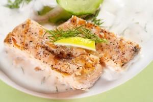 Selv om de færreste trodde maten hadde betydning for sykdomsaktiviteten, mente de fisk var nyttig. Foto: Godfisk.no