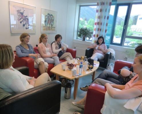 Mødregruppe i samtale