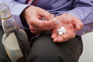 – De aller fleste er kombibrukere og både drikker og spiser piller, sier han. Illustrasjonsfoto: Bialasiewicz/Dreamstime.com