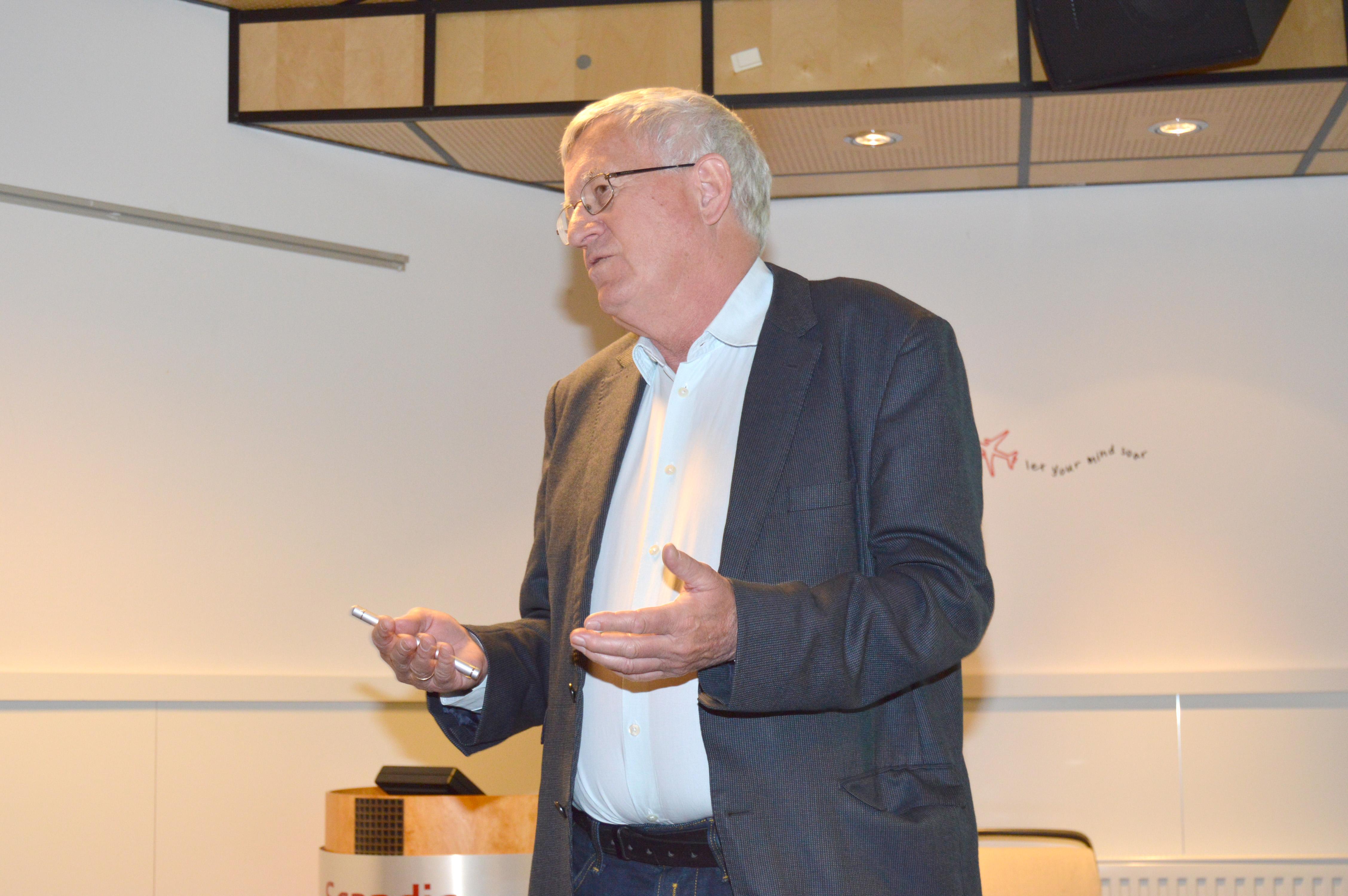 Tore Kristian Kvien holder foredrag