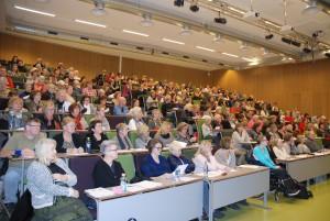 Folk kom fra fjern og nær for å delta på det gratis seminaret om kronisk utmattelse. Foto: Trine Dahl-Johansen