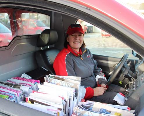 Bilde tatt igjennom bilvinduet, av postbudet Everlyn