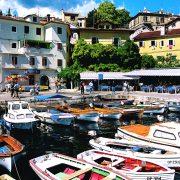 Bilde av landsbybåthavn i kroatia med småbåter