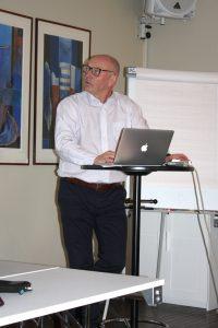 Dr. Roald Omdal holder foredrag