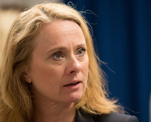 Portrettbilde Arbeids- og sosialminister Anniken Hauglie