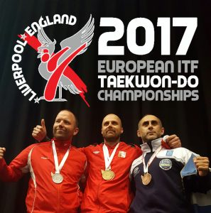 Tre menne med medaljer rundt halsen i NM i Taekwon-Do