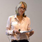 Anita Larsen Reinhardt holder foredrag
