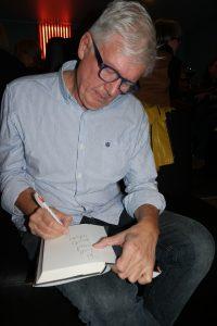 Chris Tvedt signeren bok