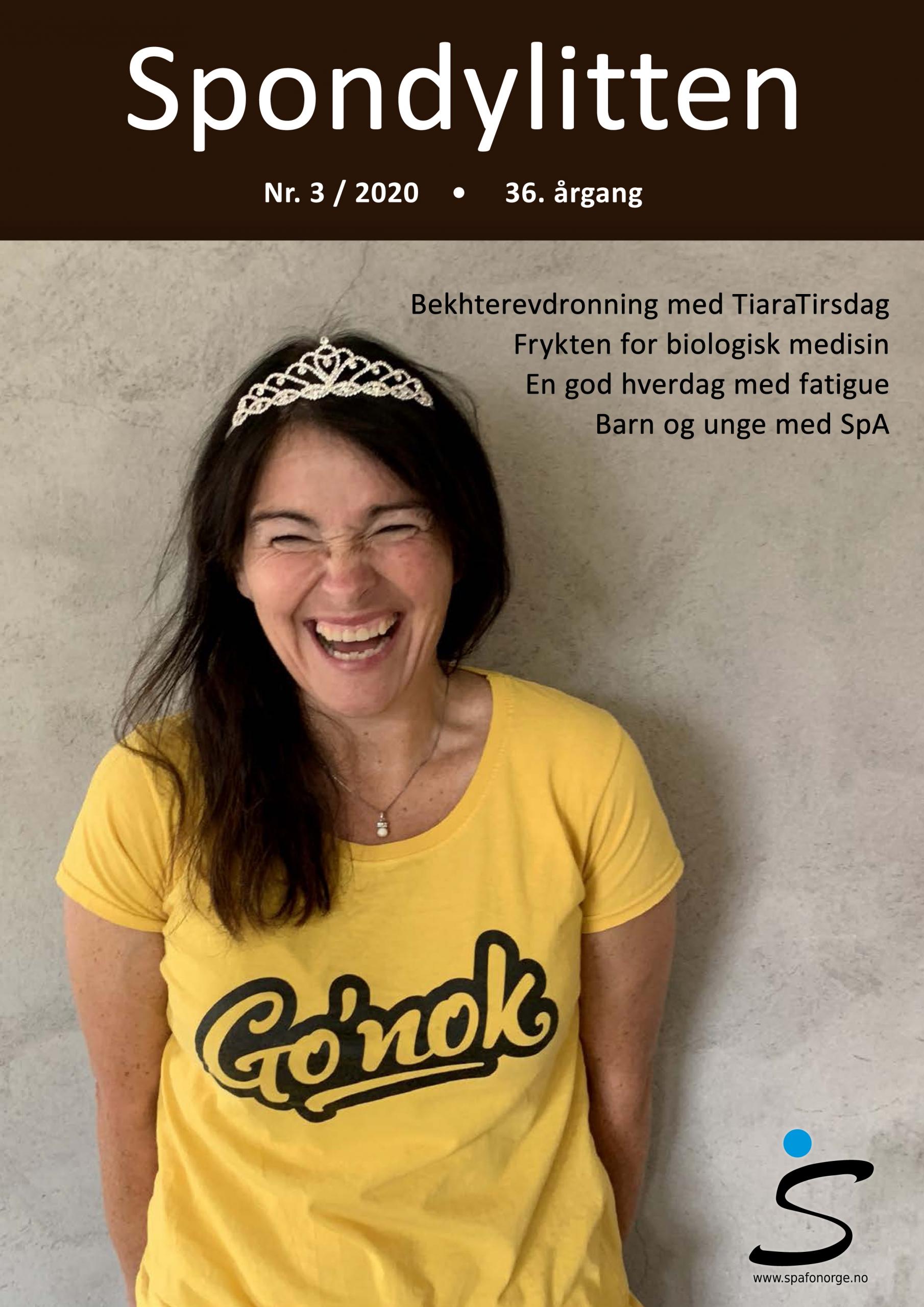 Forsiden til Spondylitten 3-20, kvinne med tiara, gul genser med teksten Go'nok som ler hjertelig