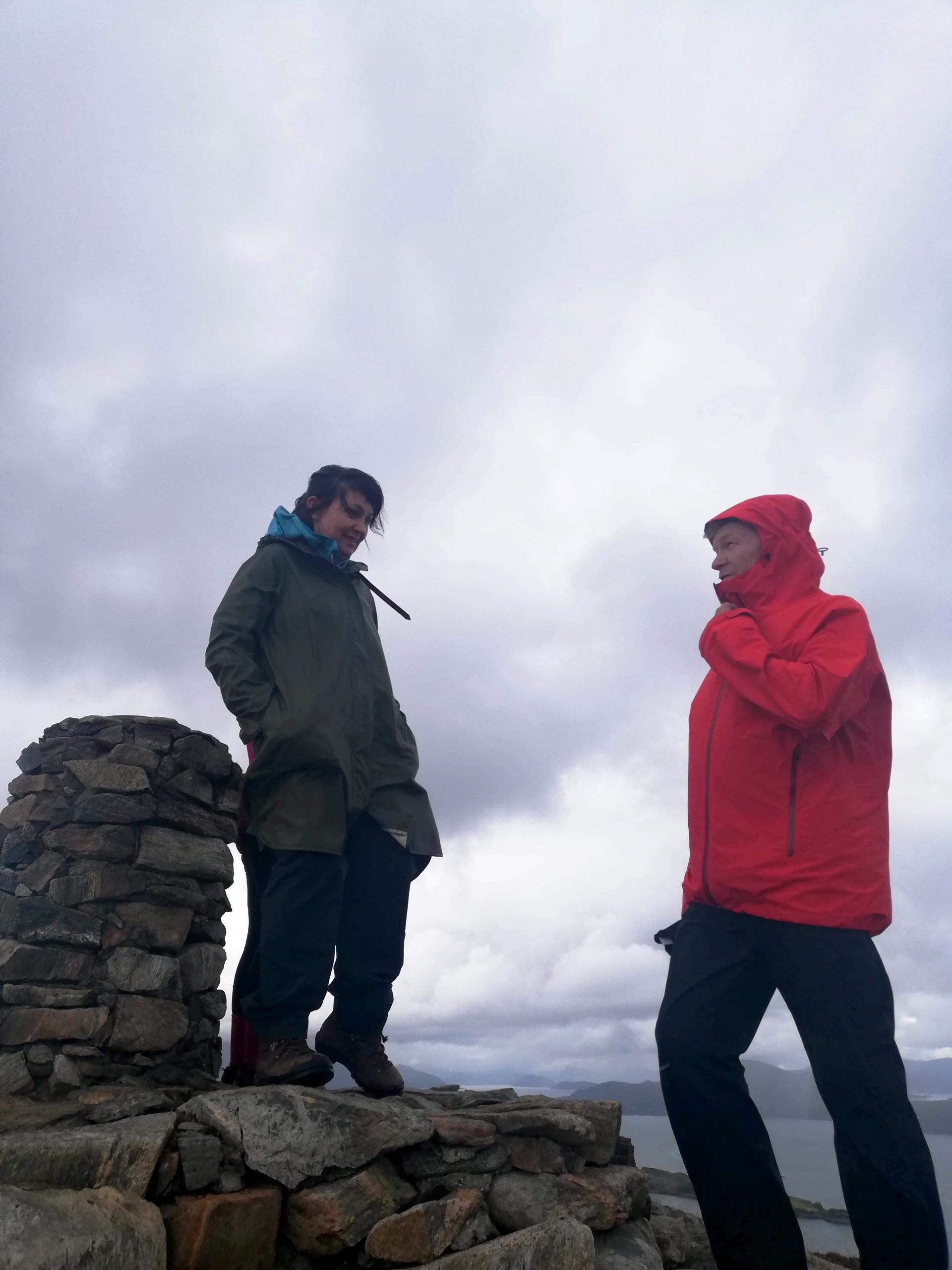 Margrethe og Robin ved varden på Signalen