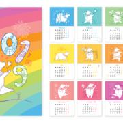 Årskalender med ulike griser og farger på månedene